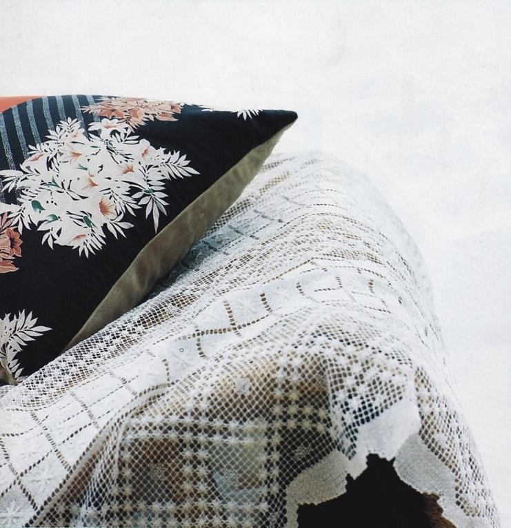 Pillow02