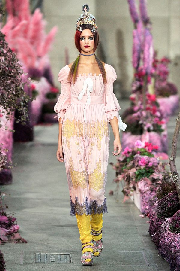 Meadhamkirchhoff_rtw_sept_2010_001_165633869580