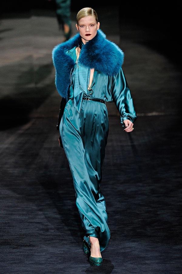 Gucci-rtw-fw2011-runway-05_135611444180