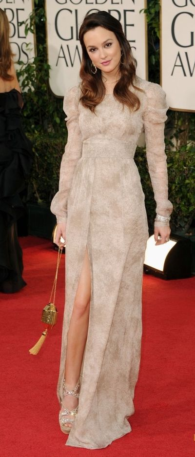 Golden Globes 2011: Leighton Meester in Burberry Pre-Fall 2011