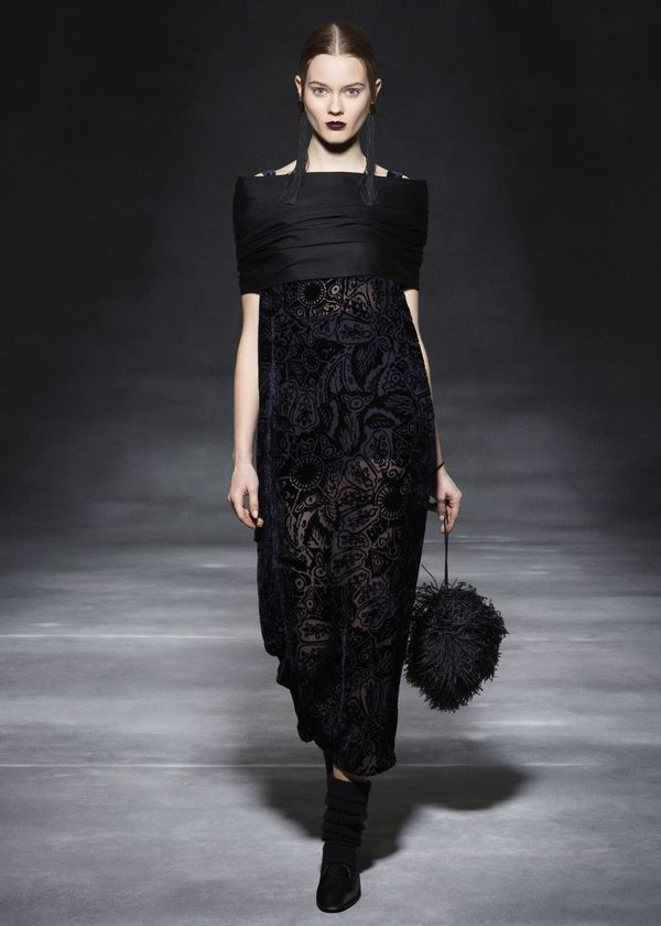 The-row-rtw-fw2011-runway-15_164800111846