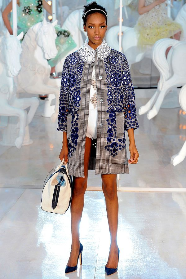 Louis-vuitton-rtw-spring2012-runway-024_093545303348