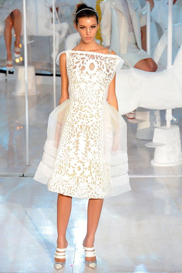 Louis-vuitton-rtw-spring2012-runway-016_093539271734