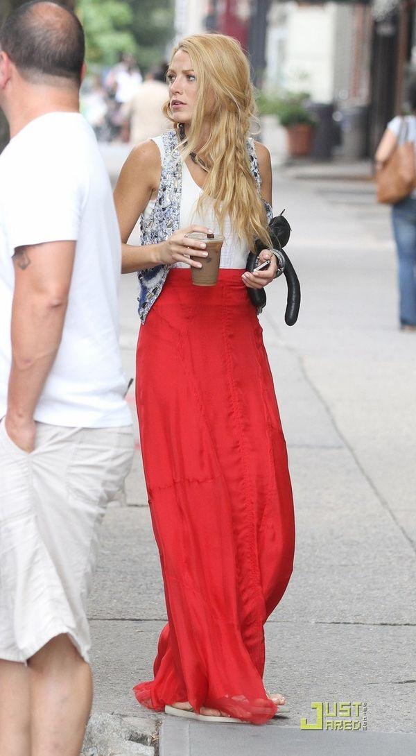 Blake-lively-red-skirt-01a