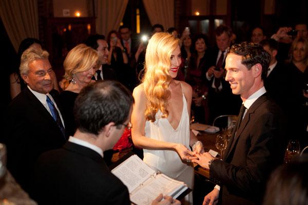 Hbz-joanna-hillman-wedding-10-1111-lgn-37758524