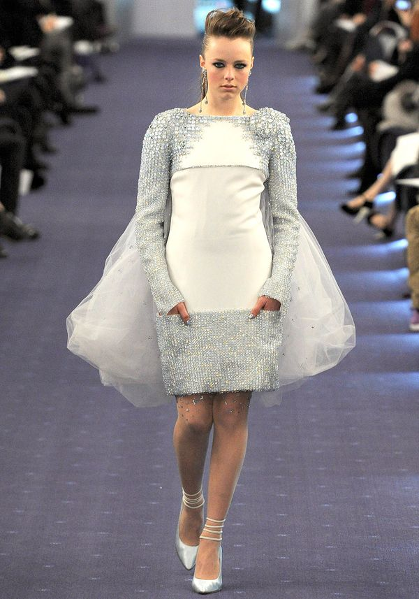 Chanel-spring-2012-couture-61_090222883210