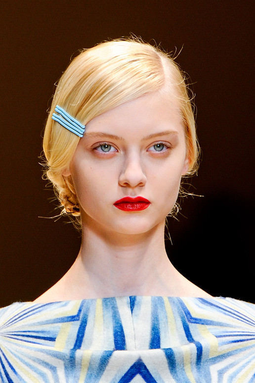 CACHAREL-FALL-2012-RTW-BEAUTY-002_runway