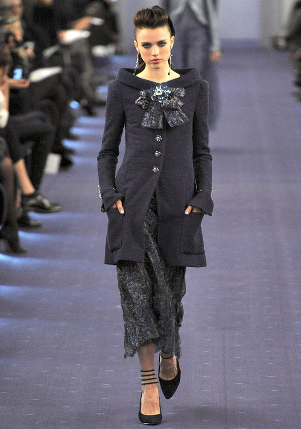 Chanel-spring-2012-couture-19_090151288790