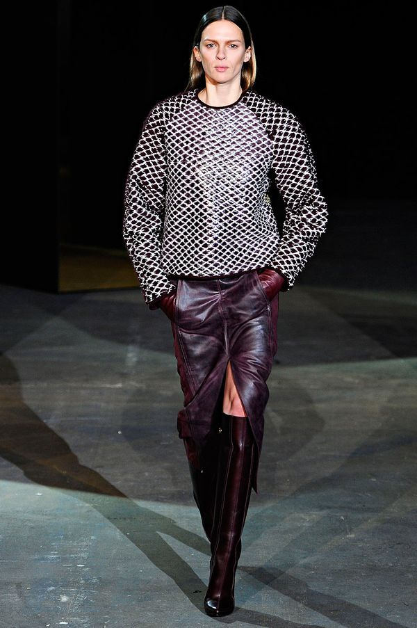 Alexander-wang-rtw-fall-2012-runway-08_222707639618