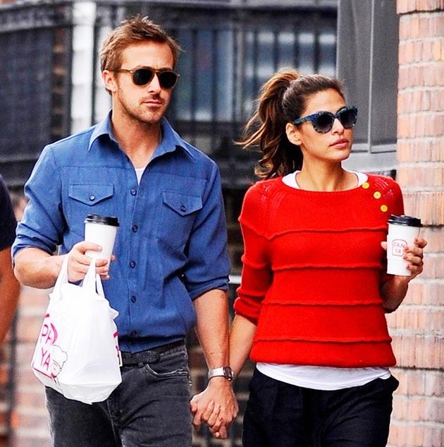 Ryan-gosling-eva-mendes-holding-hands-09