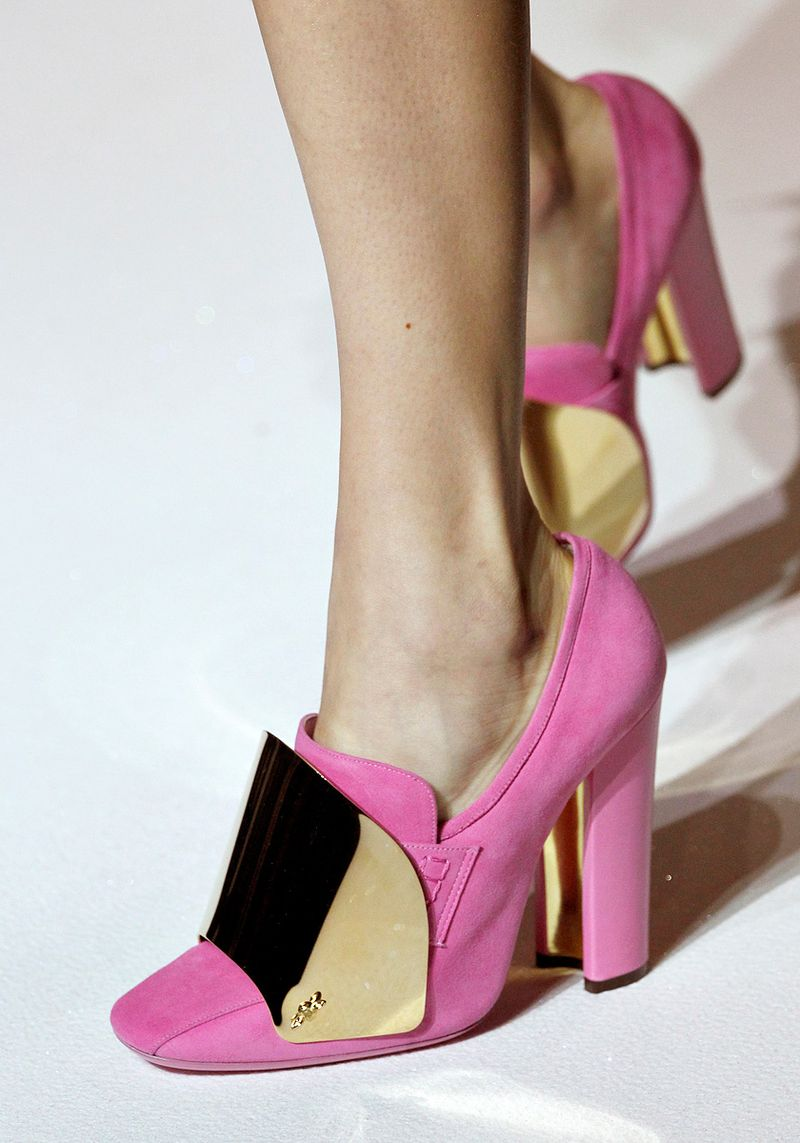 Ysl-rtw-ss2012-details-015_175928461910