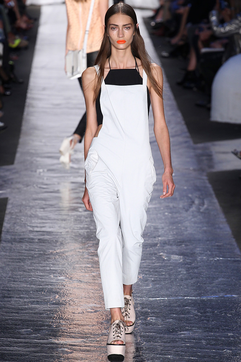 Rag-and-bone-rtw-ss2014-runway-17_205516486106