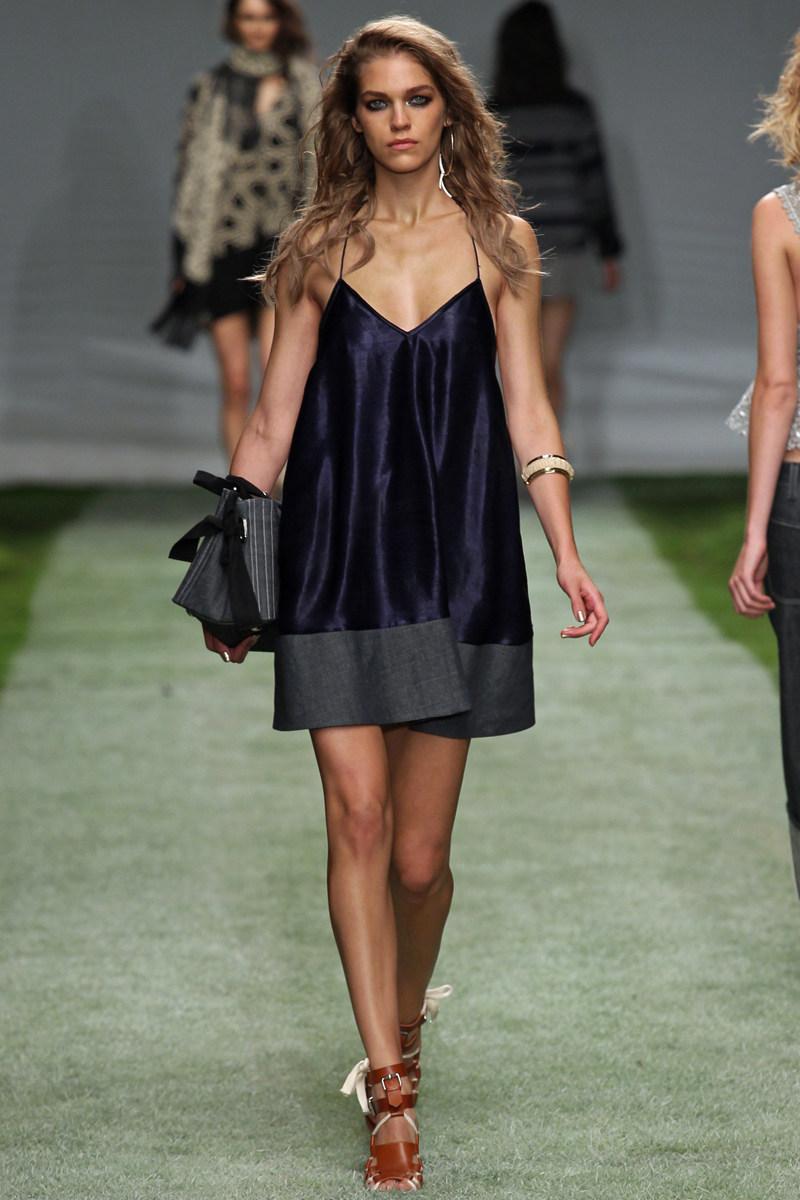 Unique-for-topshop-rtw-ss2014-runway-19_142157479165