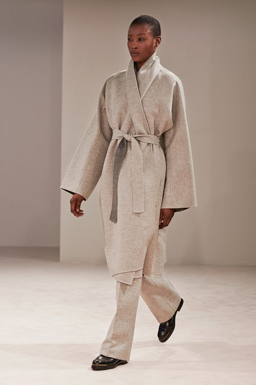 The-row-rtw-fw2014-runway-15_18500123158